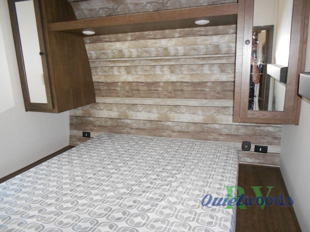 XLR bedroom